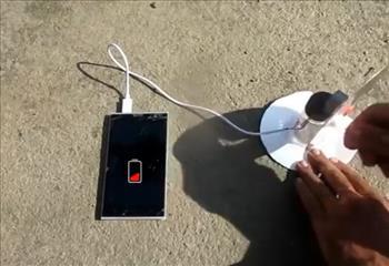 با سی دی شارژر گوشی بسازید!+فیلم