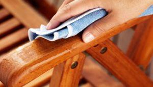 تمیز کردن دسته های چوبی مبلمان