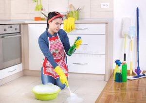 آشپز خانه در خانه تکانی عید