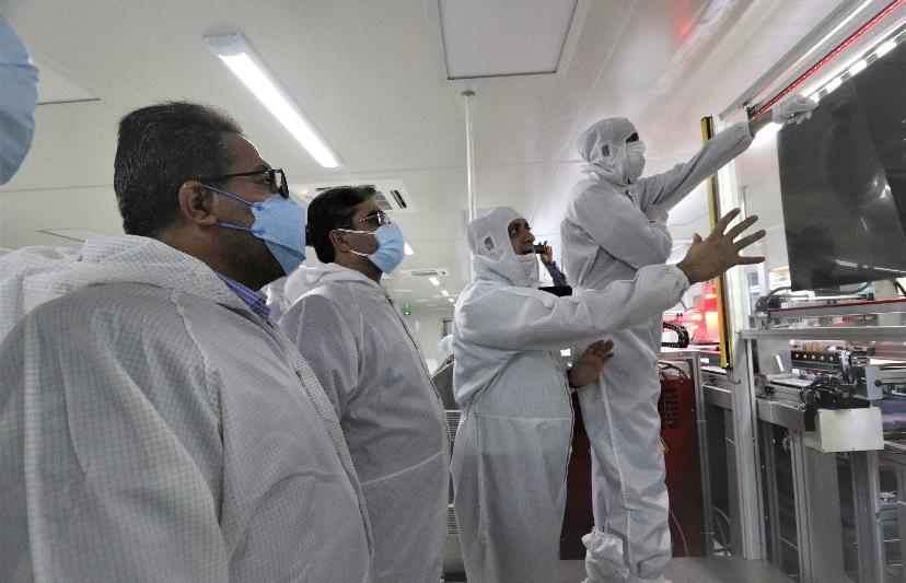 بهرهبرداری از اولین خط تولید پنل(نمایشگر) تلویزیون در ایران